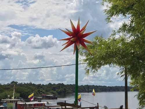 Así se ve la 'flor de Inírida' en en el puerto de la capital de Guainía. Foto: Carlos Puentes - Gobernación de Guainía.