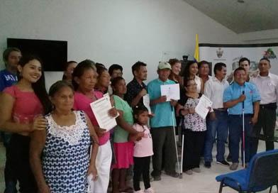Población con discapacidad visual recibe rehabilitación básica en Guainía