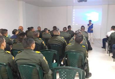 Corporinoquia fortalece conocimientos a policías de Vichada para control a tráfico de especies en época decembrina