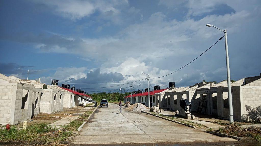 'Lunares' en entrega de viviendas de la 'Urbanización San Javier' - Noticias de Colombia