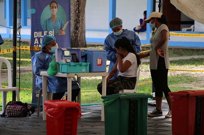 Inició aplicación de la tercera dosis de vacuna COVID en Guainía - Noticias de Colombia